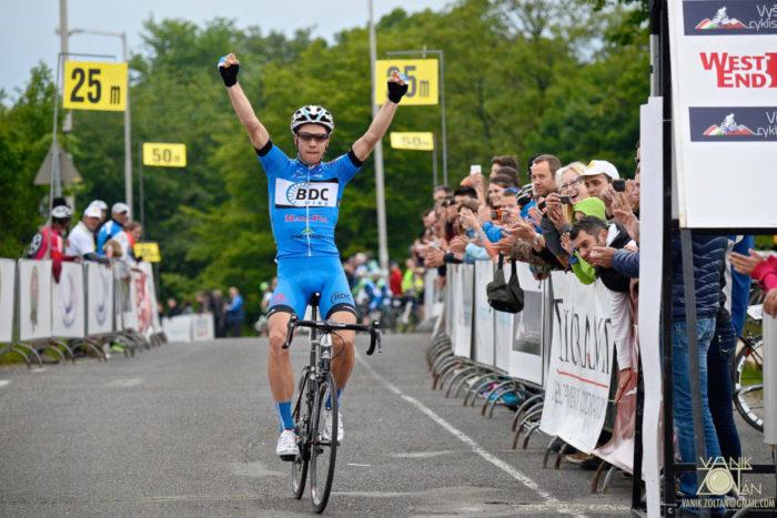 A lengyel Pawel Bernas nyerte a 2. V4 Kerékpárverseny magyar futamát (Fotó: Vanik Zoltán)