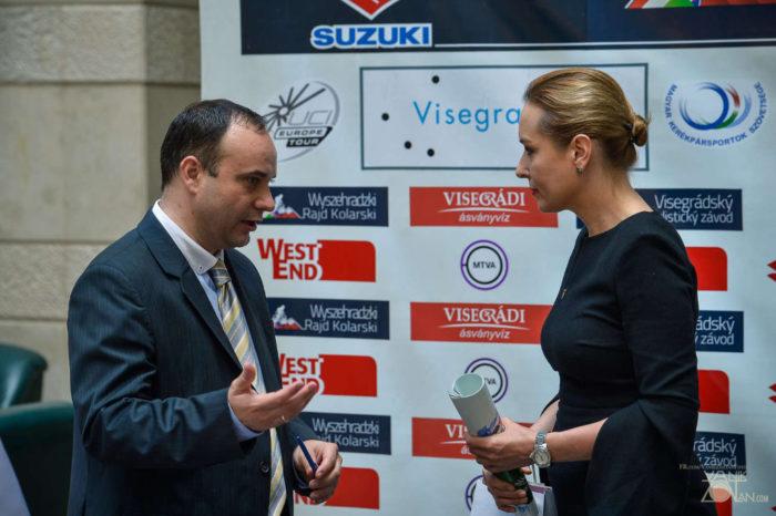 Törzsök Zsolt főszervező (b) és Karla Wursterová, a Nemzetközi Visegrádi Alap igazgatója (j) a sajtótájékoztatón (Fotó: Vanik Zoltán)